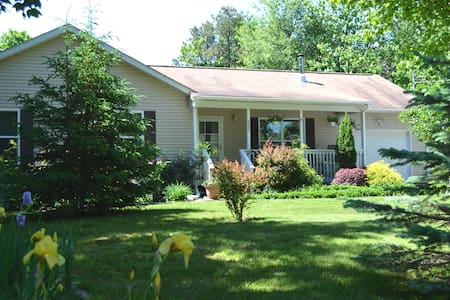 3BR House in a Lake Community - Towamensing Trails - Albrightsville - Casa