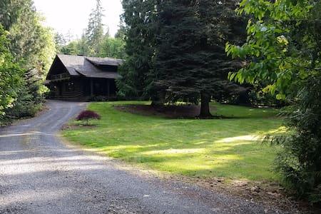 Gorgeous Renovated Historic Lodge - Oregon City - 独立屋