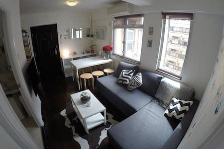 2 Bedroom Apartment in Sheung Wan