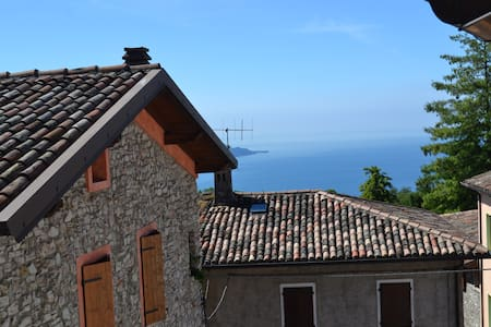 La Casina sulle colline del lago di Garda - Liano-formaga - Apartamento