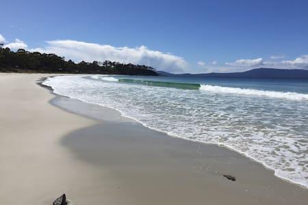 Tranquil Beach House - Surveyors Bay