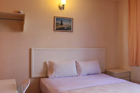 Double Deluxe (Bathroom en-suite) - Kota Kinabalu - Bed & Breakfast