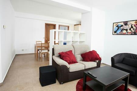 Amplio apartamento dos habitaciones - Pis