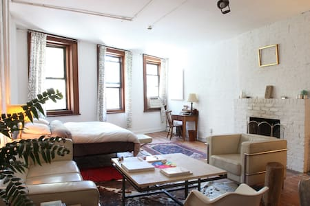 Artist's livework loft on Bowery - New York - Loft
