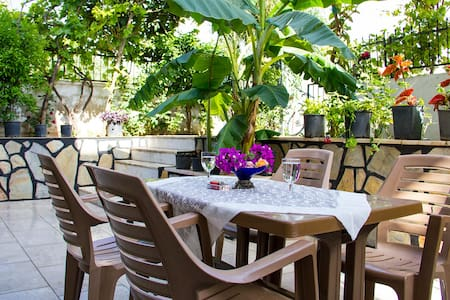 Great Studio Flat for 6 people with Garden! - Appartement