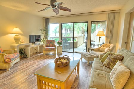 Hibiscus Resort - H204, Garden View, 2BR/2BTH, 3 Pools, Wifi - Butler Beach - Andere