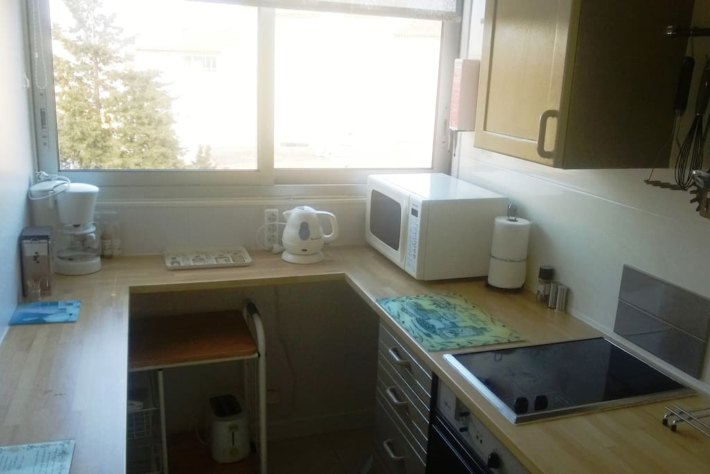 Microwave coffee machine and kettle for all your needs