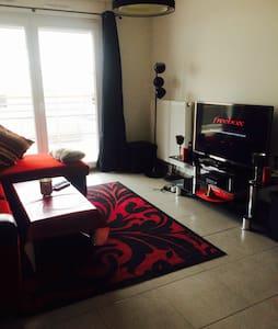 Joli T3 tout meublé très bien situé - Wohnung