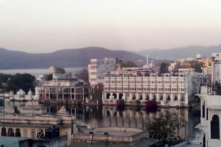 Hotel ishwar palace - Udaipur - Apartment