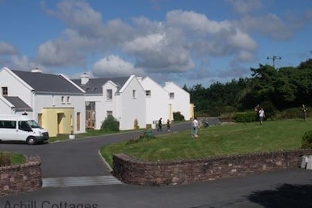 Achill Cottages no.2 - Haus