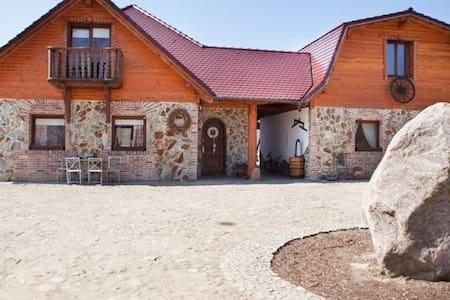 www.ranchouzapotocznego.pl APARTAMENT 4 OSOBOWY - Łagówek