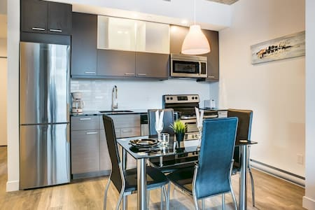 New Downtown Montreal View Condo-17