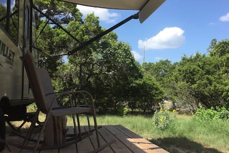 Cozy Hill Country Hideaway - Bobil