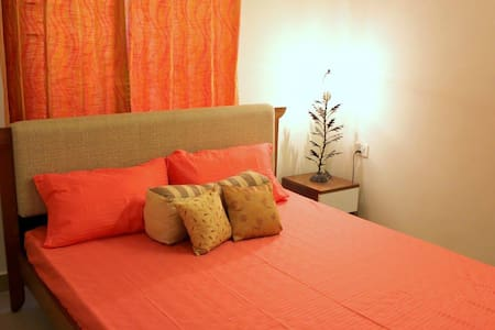 Meadows Homestay - Semi deluxe private room - Bengaluru