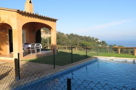 Villa in Begur beach, Costa Brava. - Sa Riera - Huis