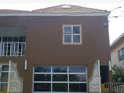 Loft style apartment - Loft-asunto