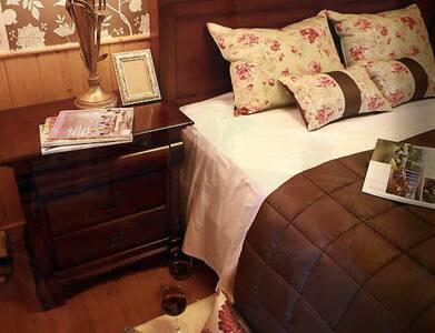 카펠라룸, 아름다운 숲속 캐나다식 소나무향 가득한 별장 객실 - Dunnae-myeon, Hoengseon - Chalé