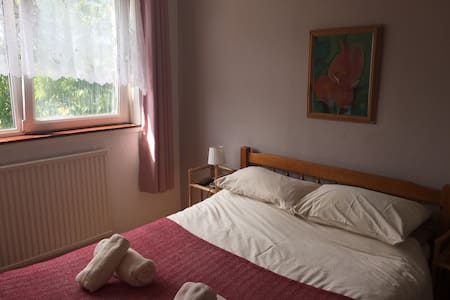 High Noon Guest house, double room ensuite - Bed & Breakfast