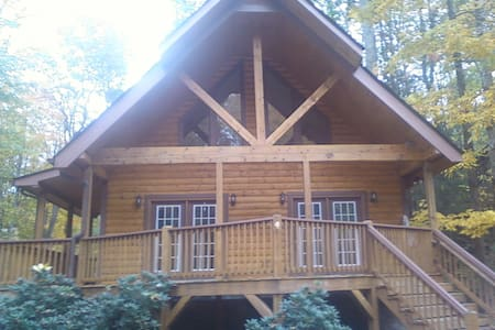 Unfurnished room to rent for a week or month - Maggie Valley - Σπίτι