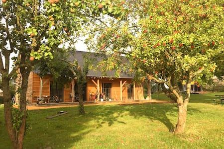 Ranchlife, Privat Großterrasse & Garten am See - Wesenberg