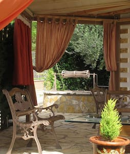 STUDIO with garden in olive grove close to the sea - Apartment