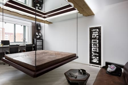 Unusual apartment with hanging bed - Apartment