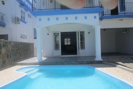 Villa Calodyne with pool - Calodyne