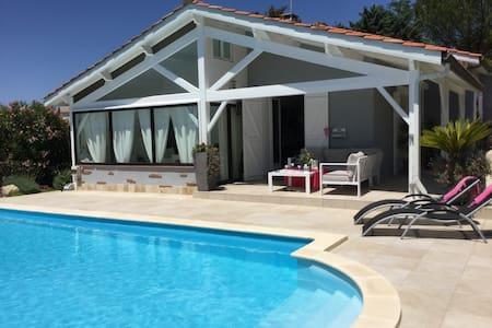 Chambre - Villas avec piscine - Auch