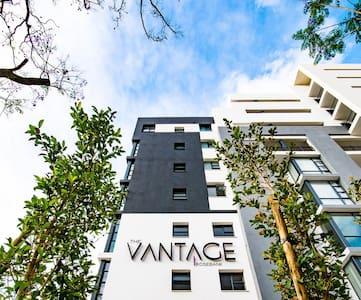 Modern 1 bed apartment, Central Location, Rosebank - Johannesburg - Apartment