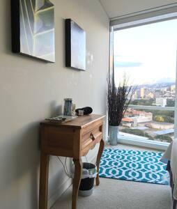 Luxury room near AlaMoana/Waikiki