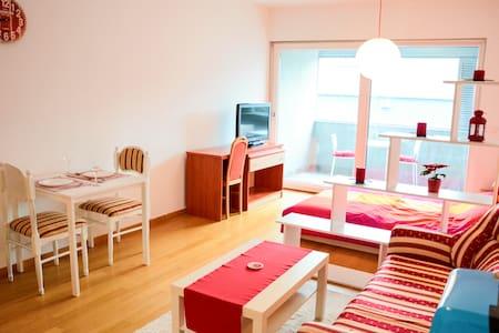 Cherry White Studio for 2, Zagreb Center - Zagreb - Appartement