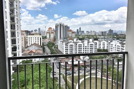 Modern Apartment in Ampang - Daire