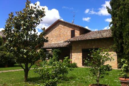 Appartamento in villa in stile toscano - Carpineto - Hus
