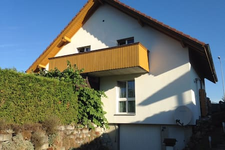 Friendly  Apartment near the Alps - Wichtrach - Haus