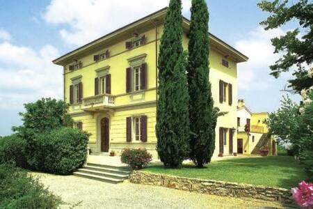 Elegant liberty villa behind Pisan coast, 12 pax - Crespina Lorenzana