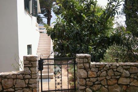 IslandHouse,2BD,terrace,pines&peace - Dom