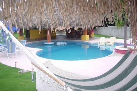 Gorgeous beach Estate in Panama! - Huis
