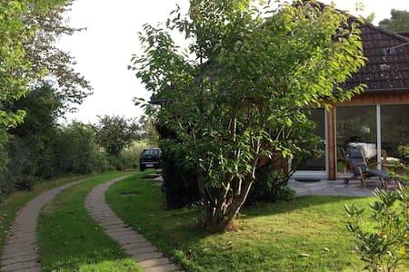 Elegantes, helles Holzhaus bei SPO - Welt - Hus