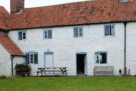 Lovely cottage in Ringstead, NW Norfolk - Hus