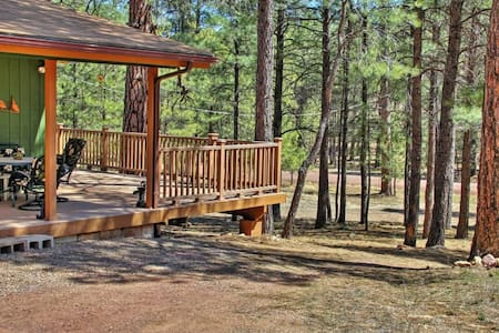 Warm 3BR Happy Jack Cabin in Coconino Nat'l Forest - Happy Jack - Stuga