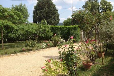Calme et  repos au pied du Château de Gréoux - Gréoux-les-Bains - Villa
