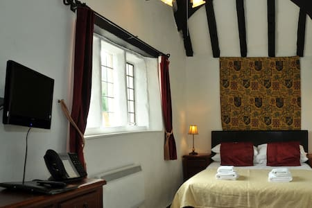 The Old Court - Bed & Breakfast