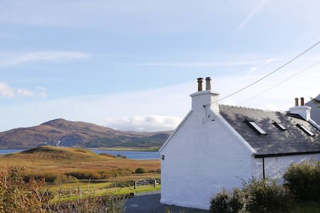 Cnoc Uaine, Isle of Skye cottage - Isle of Skye