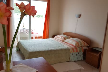 Studio apartment 1; great sea view - Appartement