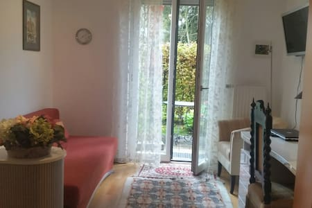 Zimmer 14 qm mit Terrasse Erdgeschoss - Pis
