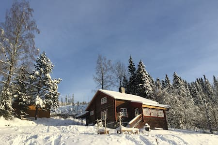 Perlen:) Gammel tømmerhytta på 120 km - Blockhütte