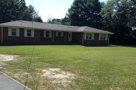 home is located in 4 acres - Talo