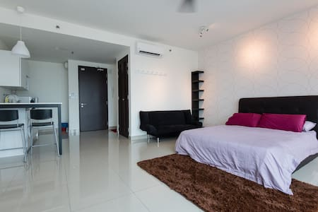 Warm Studio @ Setia Alam Trefoil - Apartment