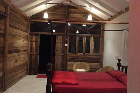 Honey Moon Special-Private Natural Pond View Cabin - Assagao - Chalet