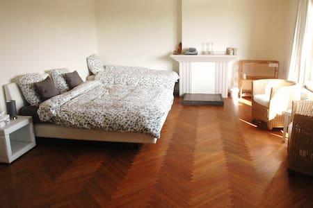 Comfy, Quiet and Spacious Welcome! - Wervik - Villa